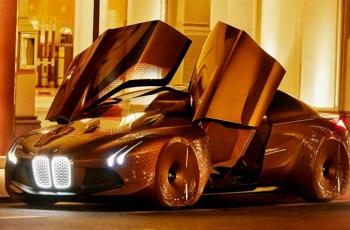BMW  обещает электромобиль с запасом хода в 700 км