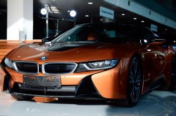 От 155 000 евро! В Минске купили первый электрокар BMW i8 Roadster