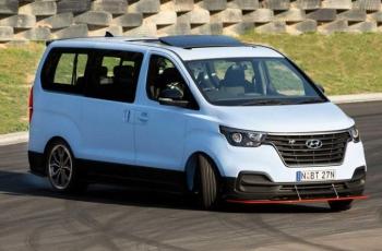 Hyundai превратил свой микроавтобус в 400-сильный дрифт-кар (видео)